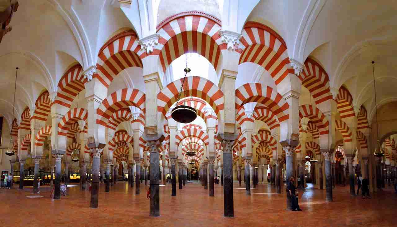 El mejor sitio tur stico de europa la mezquita de c rdoba for Interior mezquita de cordoba